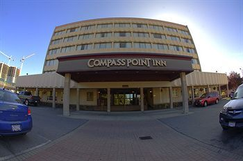Hotel Compass Point Inn