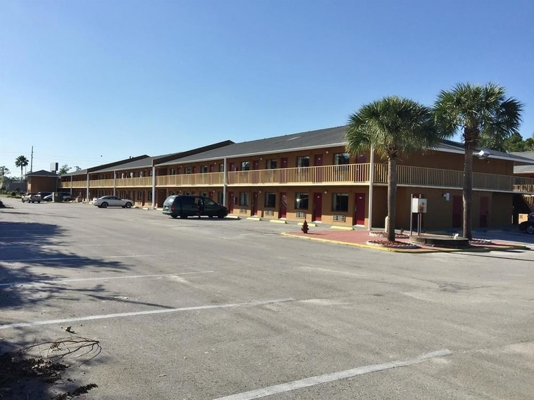 Hotel Country Hearth Inn- Kissimmee