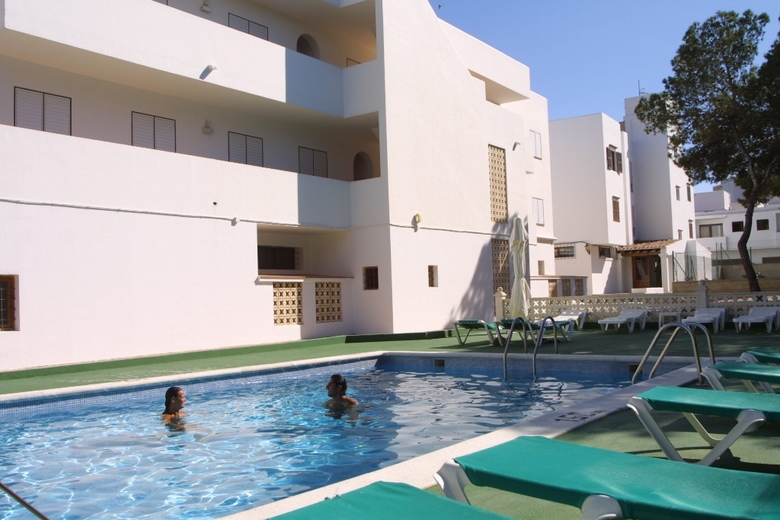 Hotel apartamentos art playa es cana ibiza - Hotel apartamentos el puerto ibiza ...