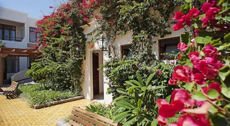 Hotel la hacienda baha paracas paracas ica for Hoteles en paracas
