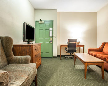 Hotel Comfort Suites Milwaukee Airport