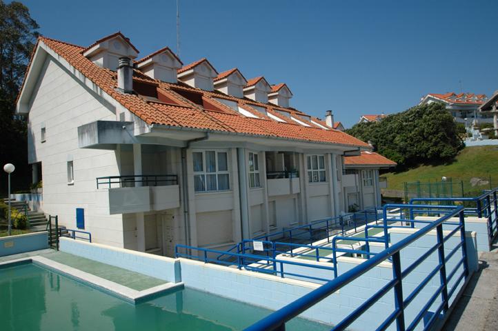 Apartamentos playa la arena isla cantabria - Apartamentos en cantabria playa ...