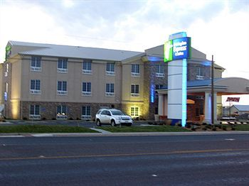 Holiday Inn Express Hotel & Suites Andrews