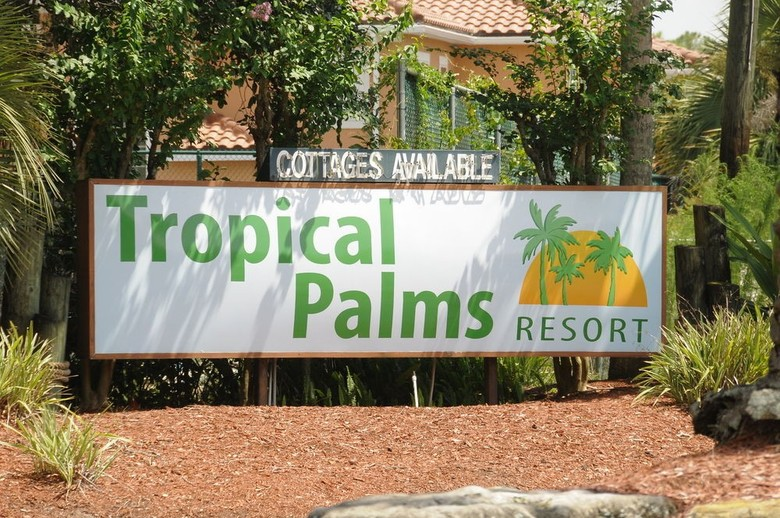 Hotel Tropical Palms Resort & Campground