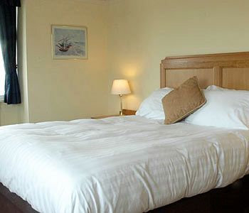 Bed & Breakfast Commodore Hotel Bournemouth