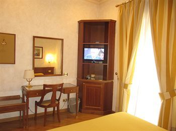 Hotel Rome Central Suites