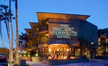 Pacific Terrace Hotel