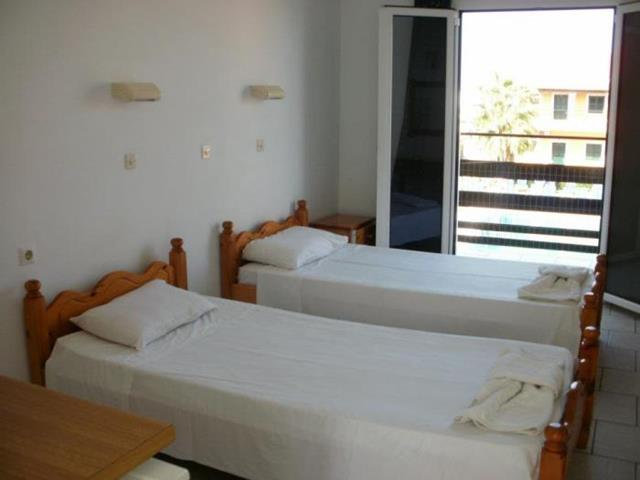 Hotel Apartments Yiannis