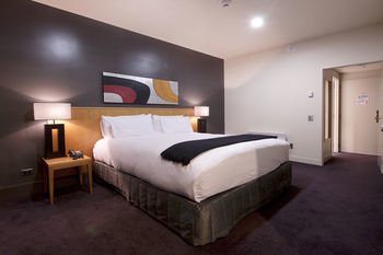 Hotel S/circle Southern Cross