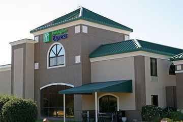 Holiday Inn Express Hotel & Suites Spring Lake