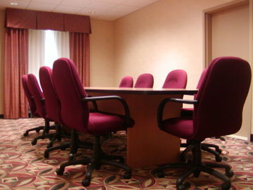 Holiday Inn Express Hotel & Suites Kent State University