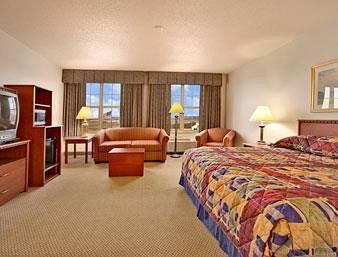 Hotel Baymont Inn And Suites Plymout