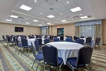 Holiday Inn Express Hotel & Suites Nepean East