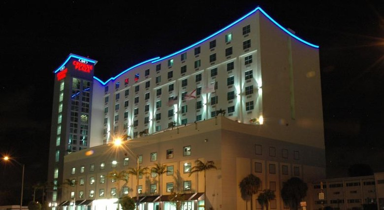 Hotel Crowne Plaza Ft. Lauderdale Airport / Cruise