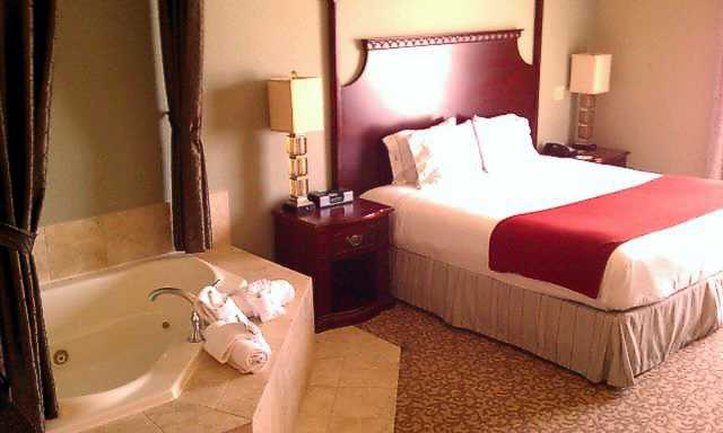 Holiday Inn Express Hotel & Suites Allen Twin Creeks