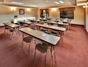 Holiday Inn Express Hotel & Suites Watertown