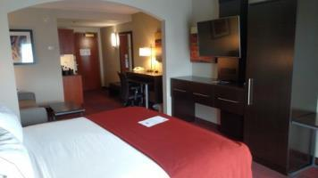 Holiday Inn Express Hotel & Suites Auburn