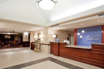 Holiday Inn Express Hotel & Suites Chesapeake