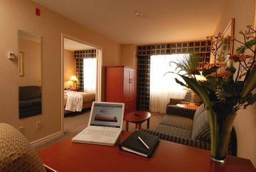 Hotel Holiday Inn & Suites Ottawa West - Kanata