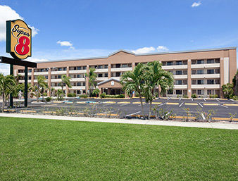 Hotel Super 8 Fort Myers