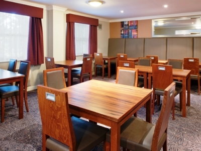 Hotel Express By Holiday Inn Leeds-east