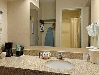 Hotel Baymont Inn And Suites Grand Rapids Airport