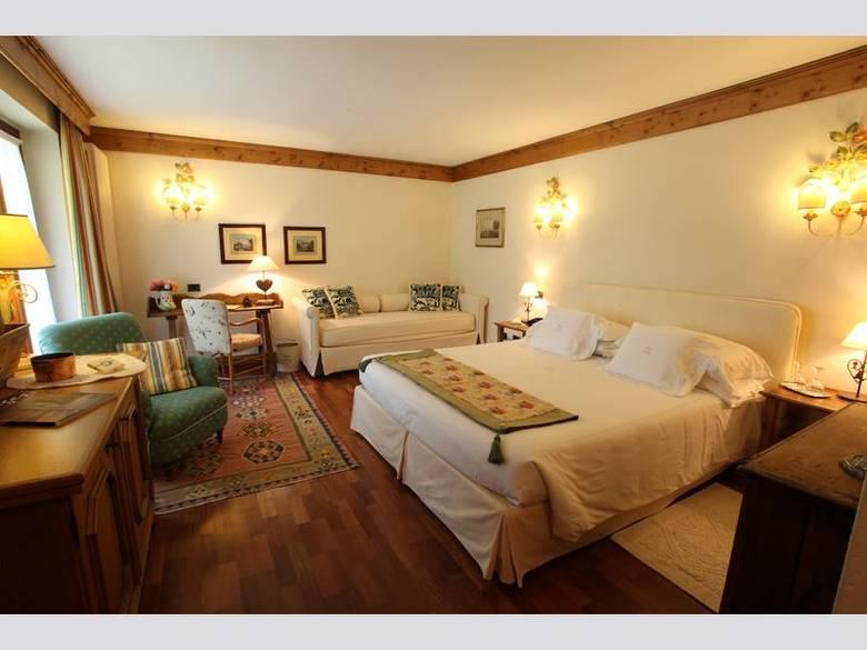Hotel auberge de la maison courmayeur aosta for Auberge de la grande maison