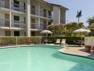 Hotel Baymont Inn And Suites Houston Hobby Airport