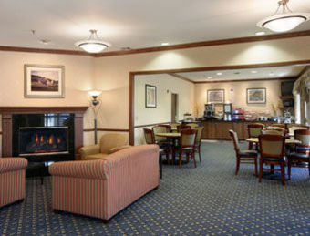 Hotel Baymont Inn And Suites Waterfo