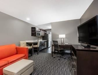 Hawthorn Suites By Wyndham Columbus-west Hotel