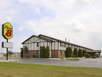 Hotel Super 8 Oshkosh Airport