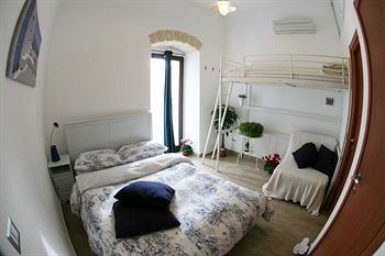 Bed & Breakfast Saint Nicholas Plaza