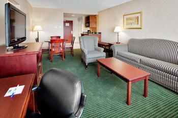 Holiday Inn Express Hotel & Suites Toronto-mississauga