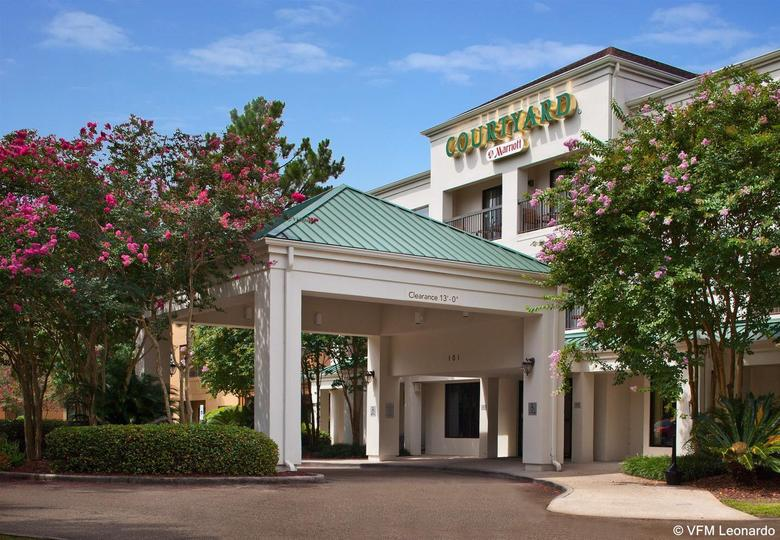 Hotel Courtyard New Orleans Covington/mandeville