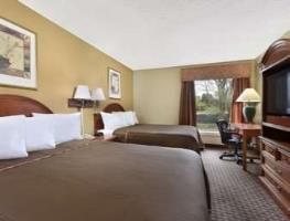 Hotel Howard Johnson Inn And Suites - Dorney Park