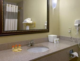 Hotel Days Inn And Suites - Wichita Falls