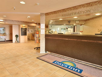 Hotel Days Inn And Suites Bridgeport