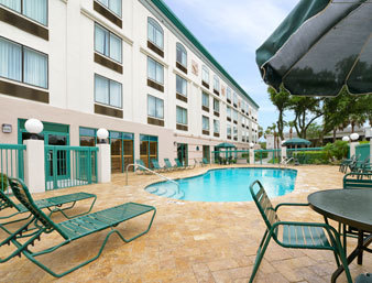 Hotel Wingate By Wyndham Tampa Usf