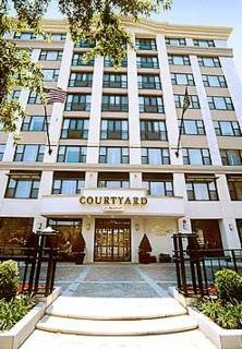 Hotel Courtyard By Marriott Embassy