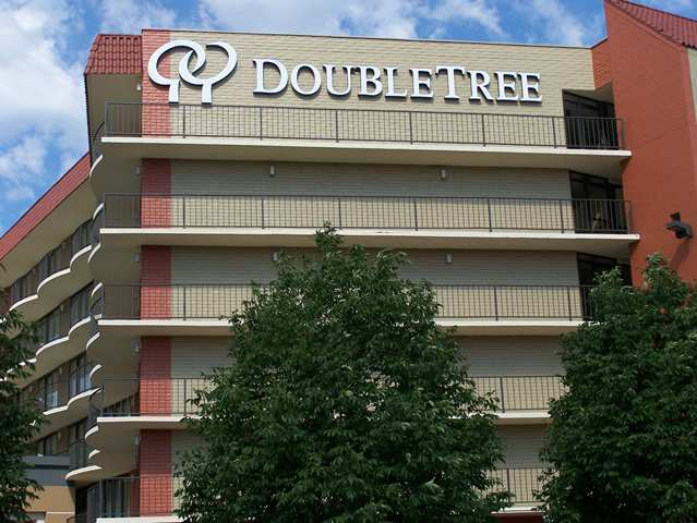 Hotel Doubletree Guest Suites Omaha