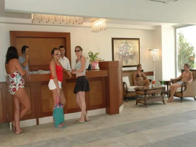 Aparthotel Queen Resort Hotel