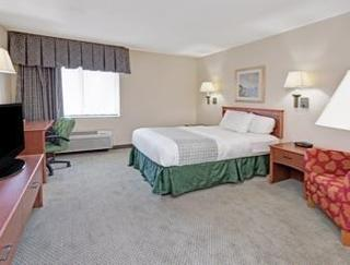 Hotel Baymont Inn And Suites Detroit Romulus