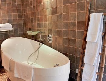Hotel Les Fr�res Ibarboure - Table & Hostellerie