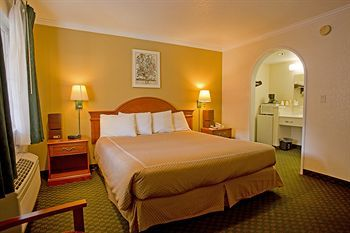 Hotel America's Best Inn And Suites Redwood City