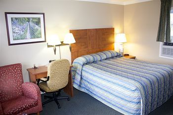Hotel Moonlight Inn & Suites