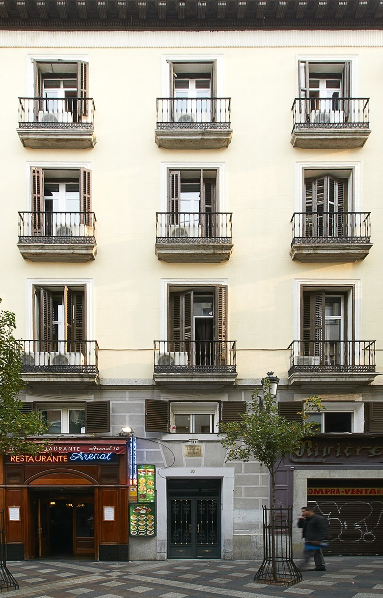 Apartamentos apartments arenal madrid for Hotel arenal madrid