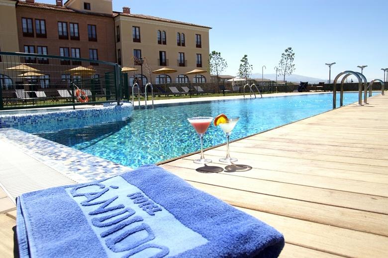 Hotel candido segovia for Hotel piscina segovia