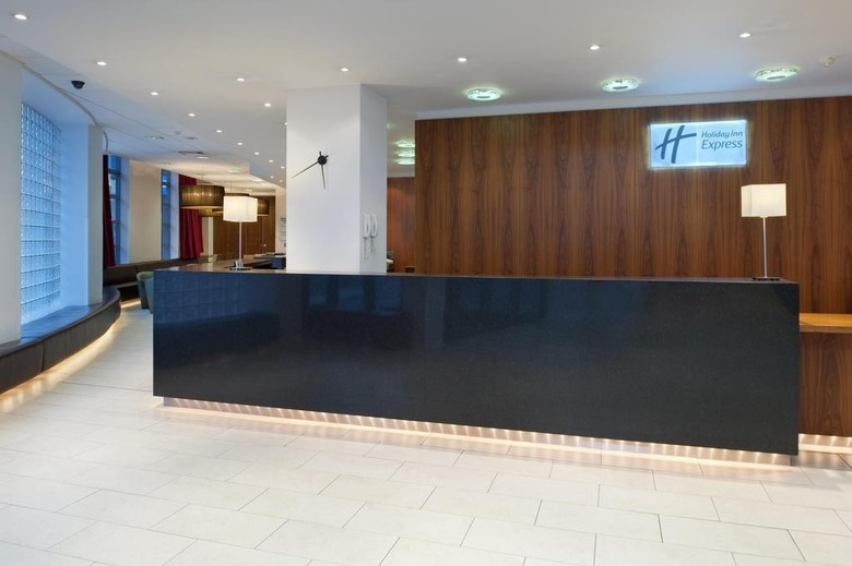 Hotel Express By Holiday Inn London City