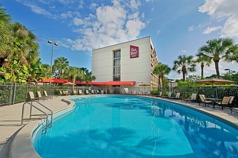 Hotel Red Roof Plus Miami International Airport
