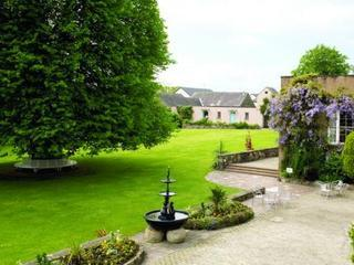 Dunadry Hotel & Country Club